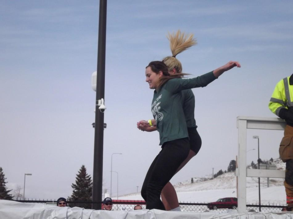 Students Plunge for a Good Cause