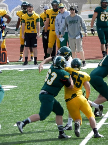 Yellow jackets playing hard in spring game